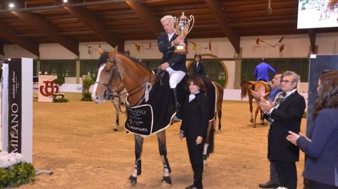 Roger Yves Bost premiato da Eleonora Ottaviani