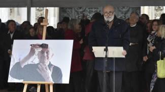 Carlo Petrini ai funerali laici di Dario Fo