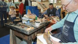 Un mercatino dell'artigianato