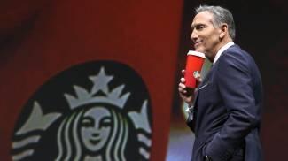 Il Ceo di Starbucks Howard Schultz (Ansa)