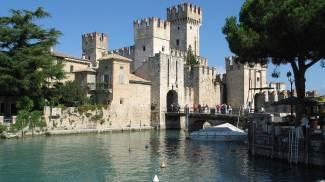 Castello Scaligero di Sirmione Foto@Wikipedia
