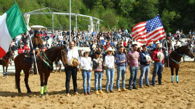 In scena a Frosinone La Coppa Italia 2017 NBHA di Barrel Racing e Pole Bending