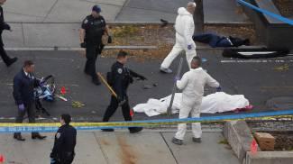 Attentato di New York, gli investigatori al lavoto: una vittima coperta con un lenzuolo