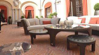 Un'immagine dello show room di Luxury Living, a palazzo Orsi Mangelli in corso Diaz