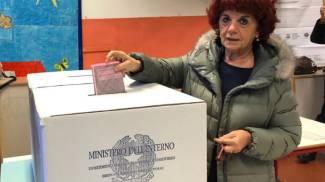 Il ministro Valeria Fedeli al voto a Pisa