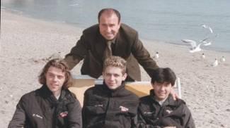 Il presidente dell'Aprilia Ivano Beggio con Capirossi, Rossi e Harada (Ansa)