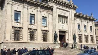 Evacuata la Procura di Bergamo dopo il passaggio dei caccia