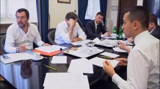Matteo Salvini e Luigi Di Maio al tavolo su contratto di governo e premier (Ansa)