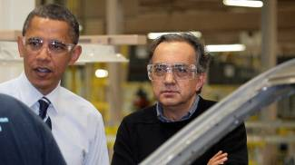 Sergio Marchionne e Barack Obama nel 2010 (Ansa)