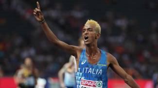 L'azzurro Crippa esulta dopo aver conquistato il bronzo agli Europei (Ansa)