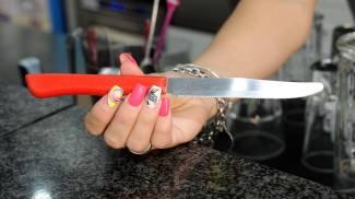 Il coltello del tentato suicidio