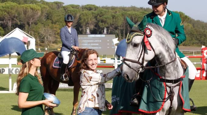 Ferdinando Mazzei premiato da Sara Riffeser, foto Paolo Lazzeroni