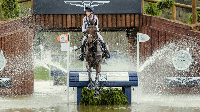 Rosalind Canter GBR in sella a Allstar B- ©FEI/Christophe Tanière