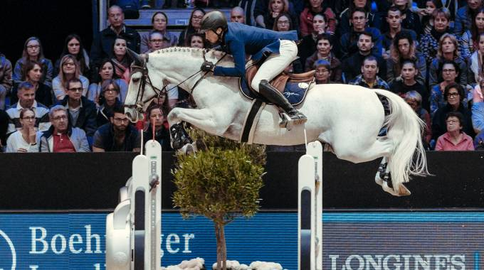 Martin Fuchs and Clooney are flying to victory in Lyon (ph. FEI/Christophe Tanière)