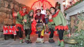 Gli animatori della casa di Babbo Natale a Gromo