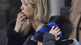 Wanda Nara e il figlio Valentino in lacrime (Ansa)