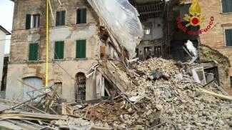 L'edificio crollato