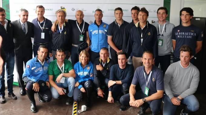 Il gruppone azzurro a Piazza di Siena 2018 (ph. UM)
