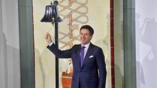 Giuseppe Conte suona la campanella del via agli scambi (Lapresse)