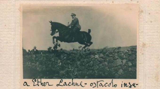 Gabriele D'Annunzio ''superatore d'ostacoli'', foto d'archivio