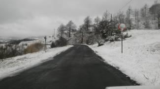 Zona Apecchio, torna la neve nell'entroterra di Pesaro Urbino