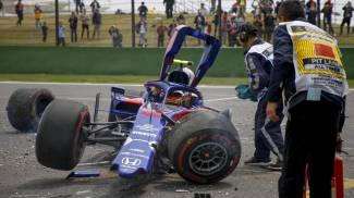 Albon e la Toro Rosso dopo l'incidente (Ansa)