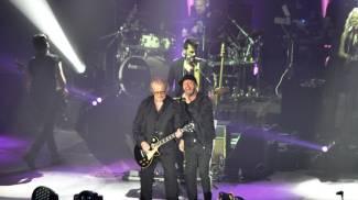 Raf accompagnato alla chitarra da Tozzi (Foto Concolino)