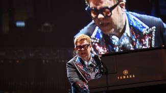 Un momento del concerto di Elton John (Alcide)