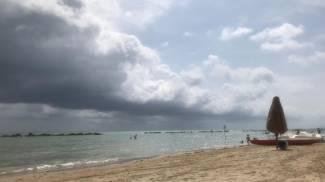 Il fenomeno dello 'shelf cloud' a Pescara