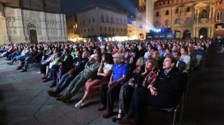 Il cinema Sotto le stelle in Piazza Maggiore