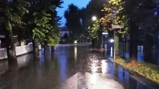 Strada allagata a Guastalla