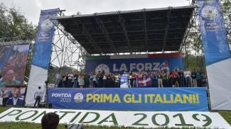 Il palco del raduno della Lega a Pontida (Ansa)