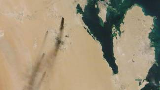 Attacco ai pozzi, immagini da satellite Nasa (Ap)