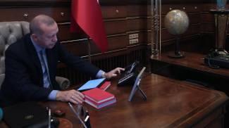 Erdogan parla col ministro della Difesa per dare il via all'operazione in Siria (Ansa)