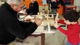 Laboratorio di falegnameria per bambini