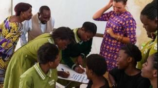Mostra contro la violenza sulle donne nello Zambia