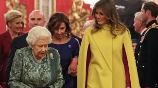 La regina al vertice Nato con Melania Trump (Ansa)