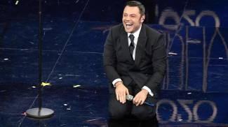Tiziano Ferro durante la serata finale di Sanremo 2020 (Ansa)