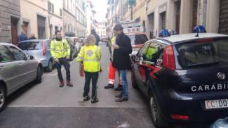 Carabinieri e 118 intervenuti in via San Zanobi