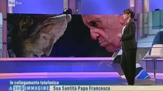 La telefonata in diretta del Papa su Rai 1 (Ansa)
