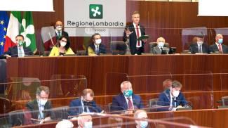 La cerimonia per i 50 anni della Regione Lombardia nell'aula del Consiglio regionale