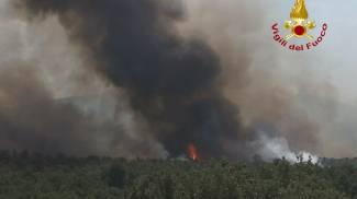 Vasto incendio a Bagnolo