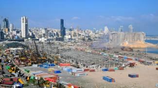 Il porto di Beirut dopo l'esplosione (Ansa)