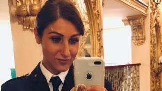 Arianna Virgolino con l'uniforme della Polstrada