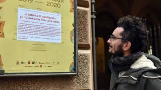 Scene da lockdown: aprile 2020, il Verdi chiuso (Valtriani)