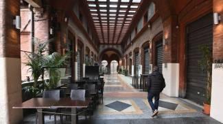 Il centro di Bologna in zona arancione (foto Schicchi)