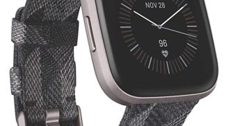 Fitbit Versa 2 su amazon.com