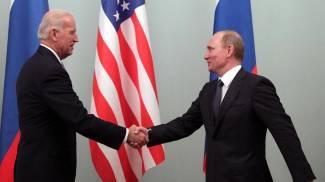 Joe Biden e Vladimir Putin quando il secondo si congratulò con lui
