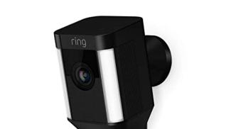 Ring Spotlight Cam Wired su amazon.com