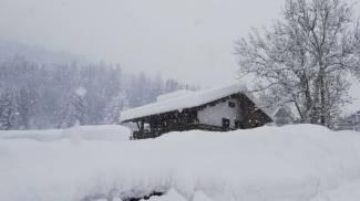 La neve sulle Dolomiti bellunesi, Falcade (Ansa)